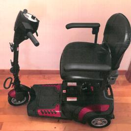 Scooter elettrico piccolo